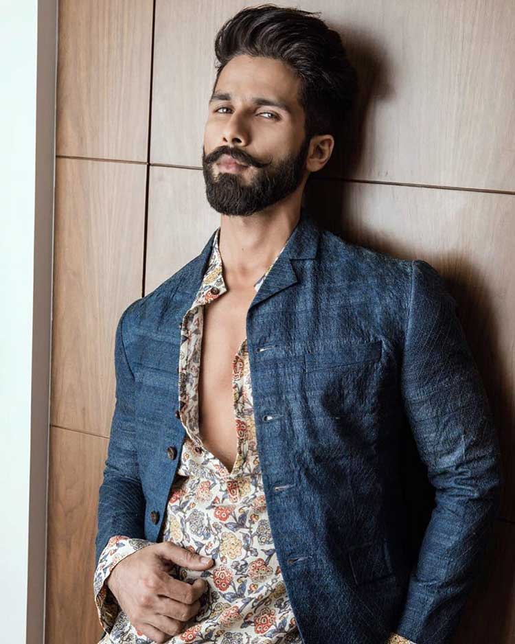 9 Hot Photos Of The Sexiest Asian Man Shahid Kapoor
