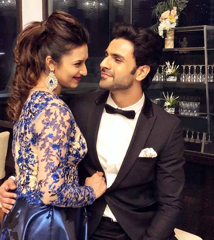 Vivek Dahiya's romantic moment with Divyanka Tripathi