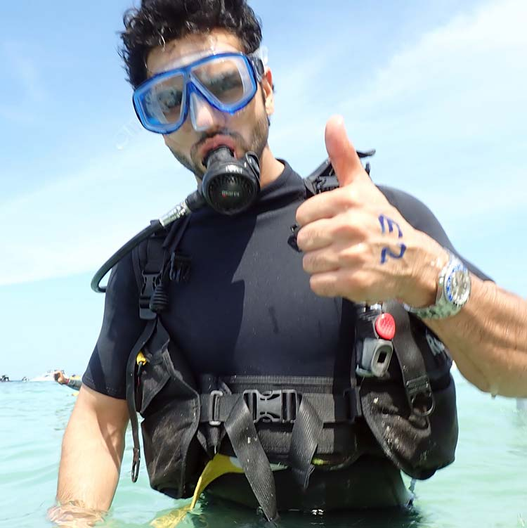Vivek Dahiya ready to scuba dive in Thailand