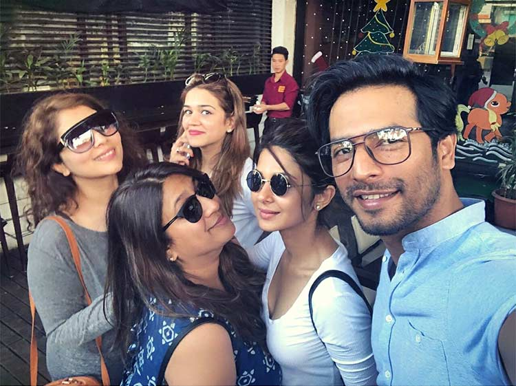 Jennifer Winget's cute insta post with friends