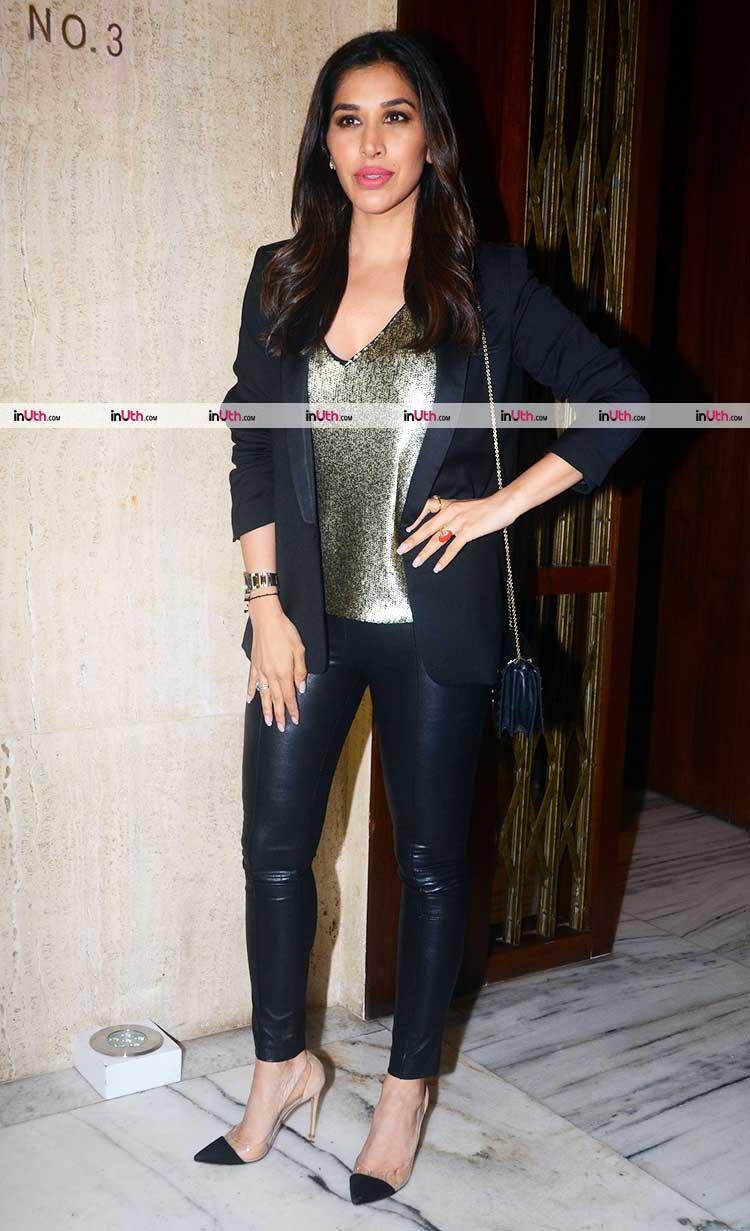 Sophie Choudry at Manish Malhotra's birthday party