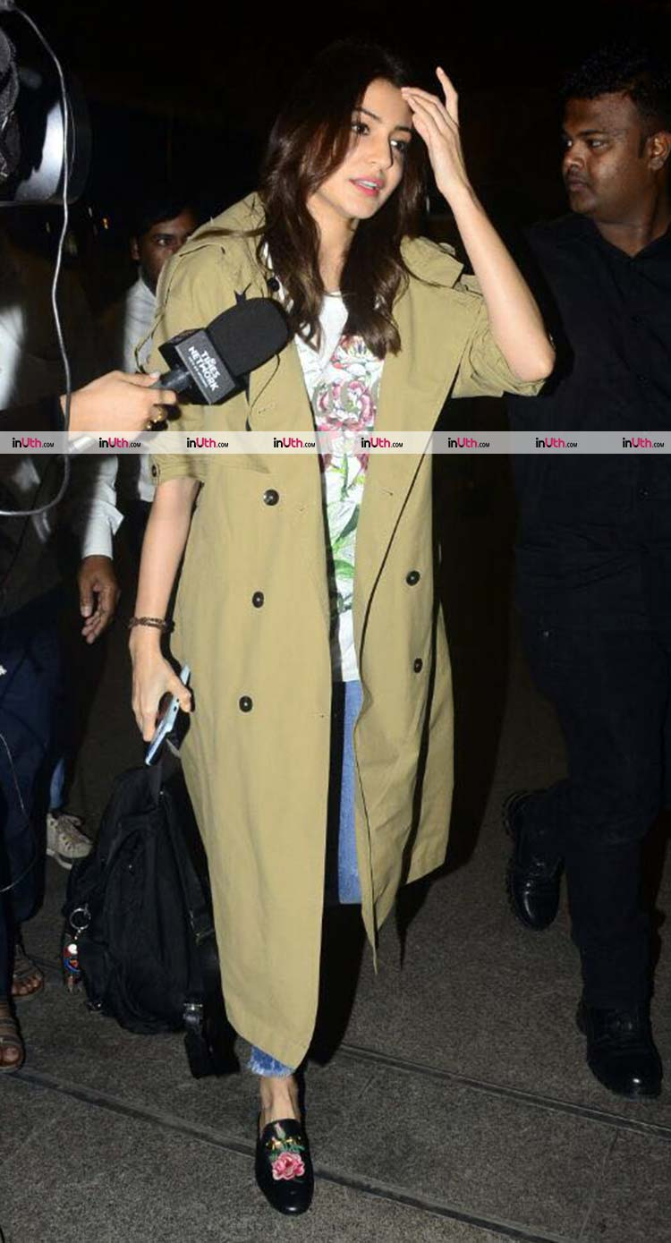 Anushka Sharma snapped at the airport with family amidst wedding rumours