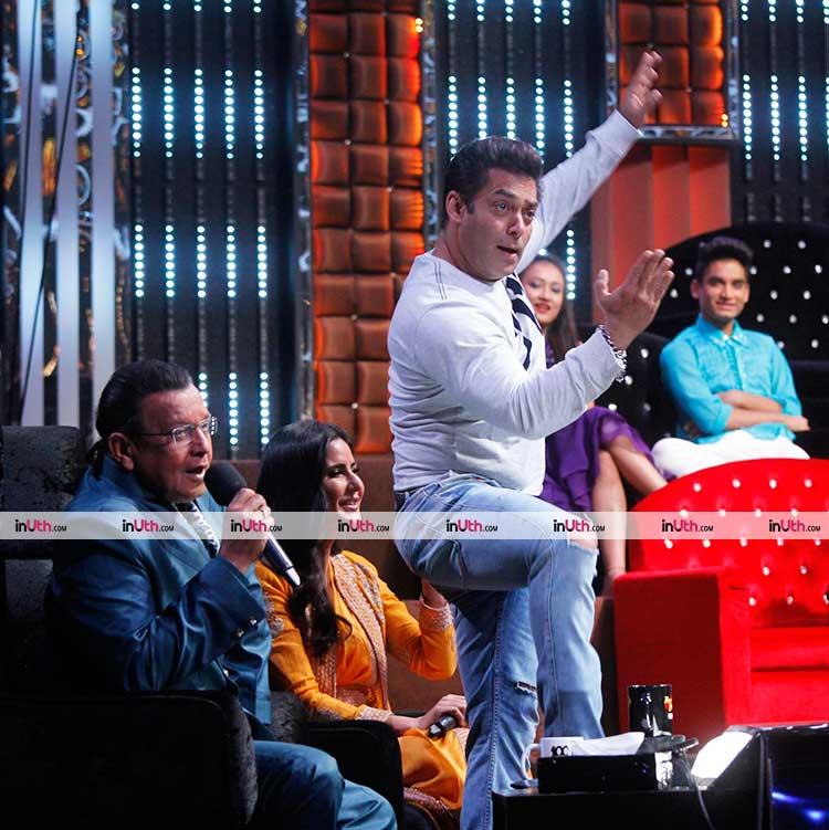 Salman Khan caught candid with Mithun Chakraborty while promoting Tiger Zinda Hai
