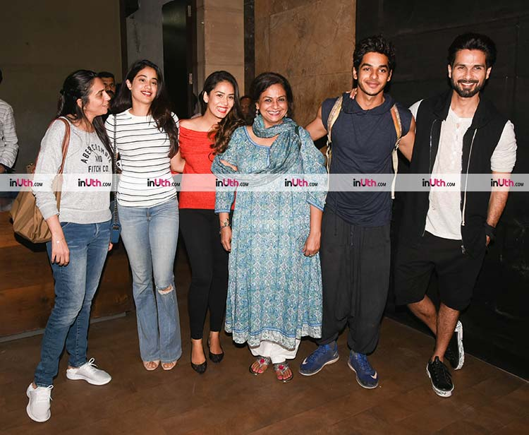 Jhanvi Kapoor with Ishaan Khatter's family