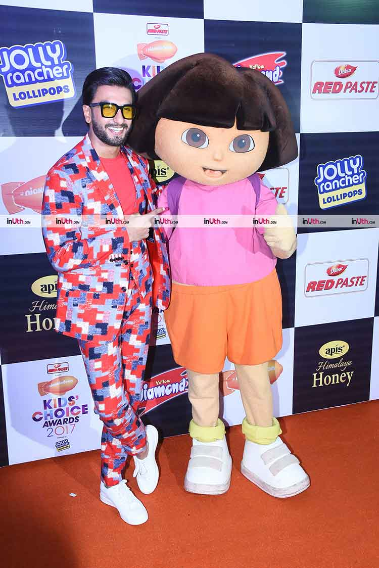 Ranveer Singh with Dora The Explorer at Nickelodeon Kids Choice Awards 2017