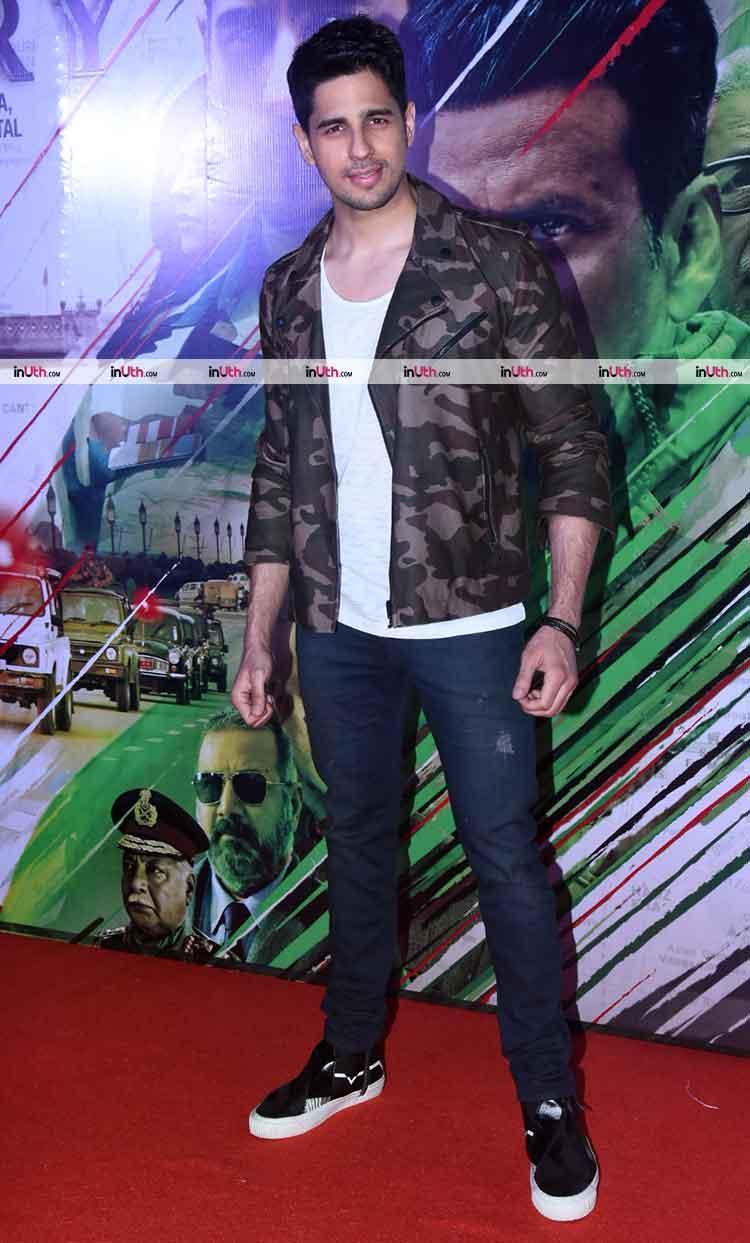 Sidharth Malhotra posing at Aiyaary trailer launch