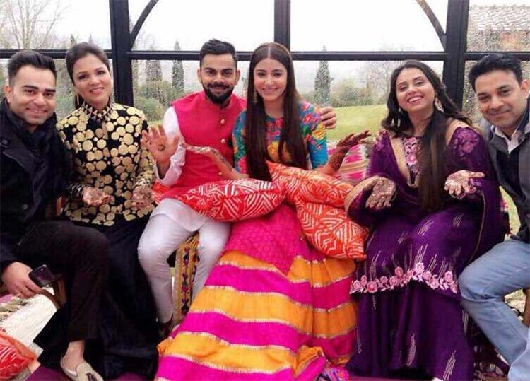 Virat Kohli and Anushka Sharma with their family at the mehendi ceremony