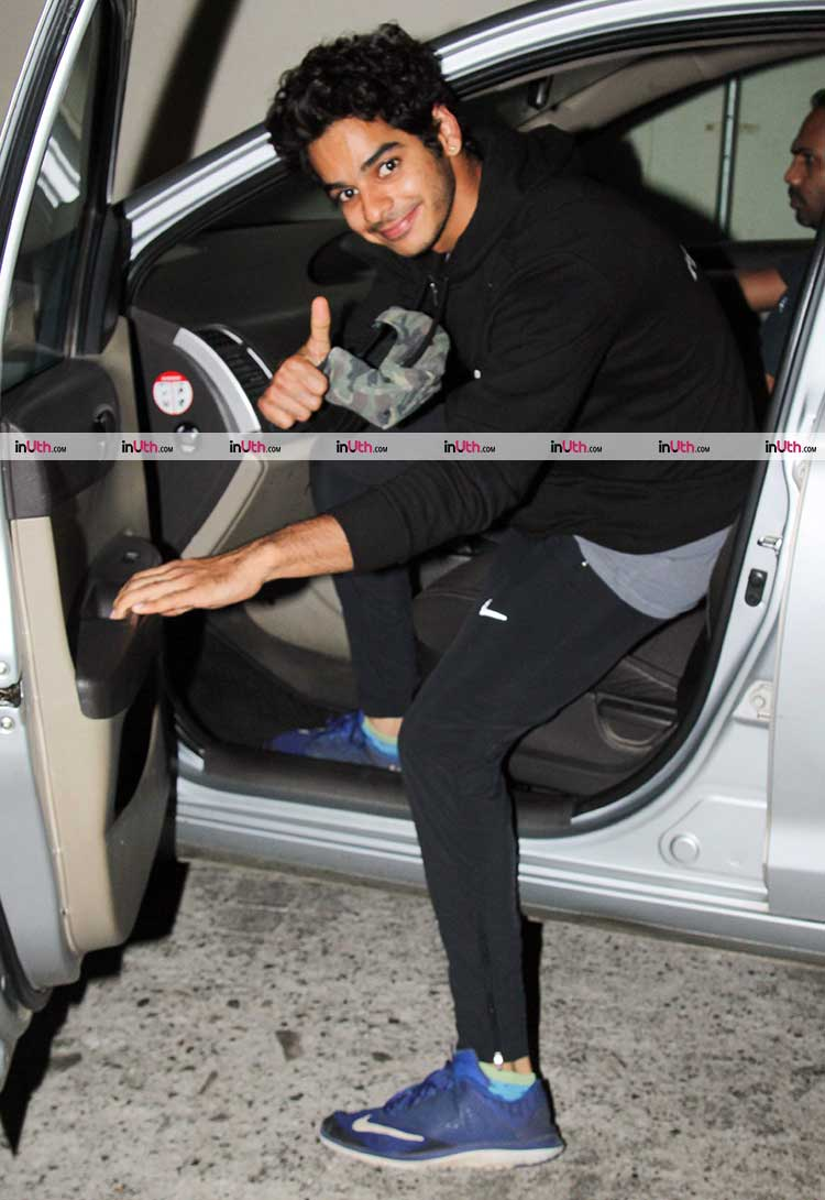 Ishaan Khatter leaving after a movie date with Janhvi Kapoor and family