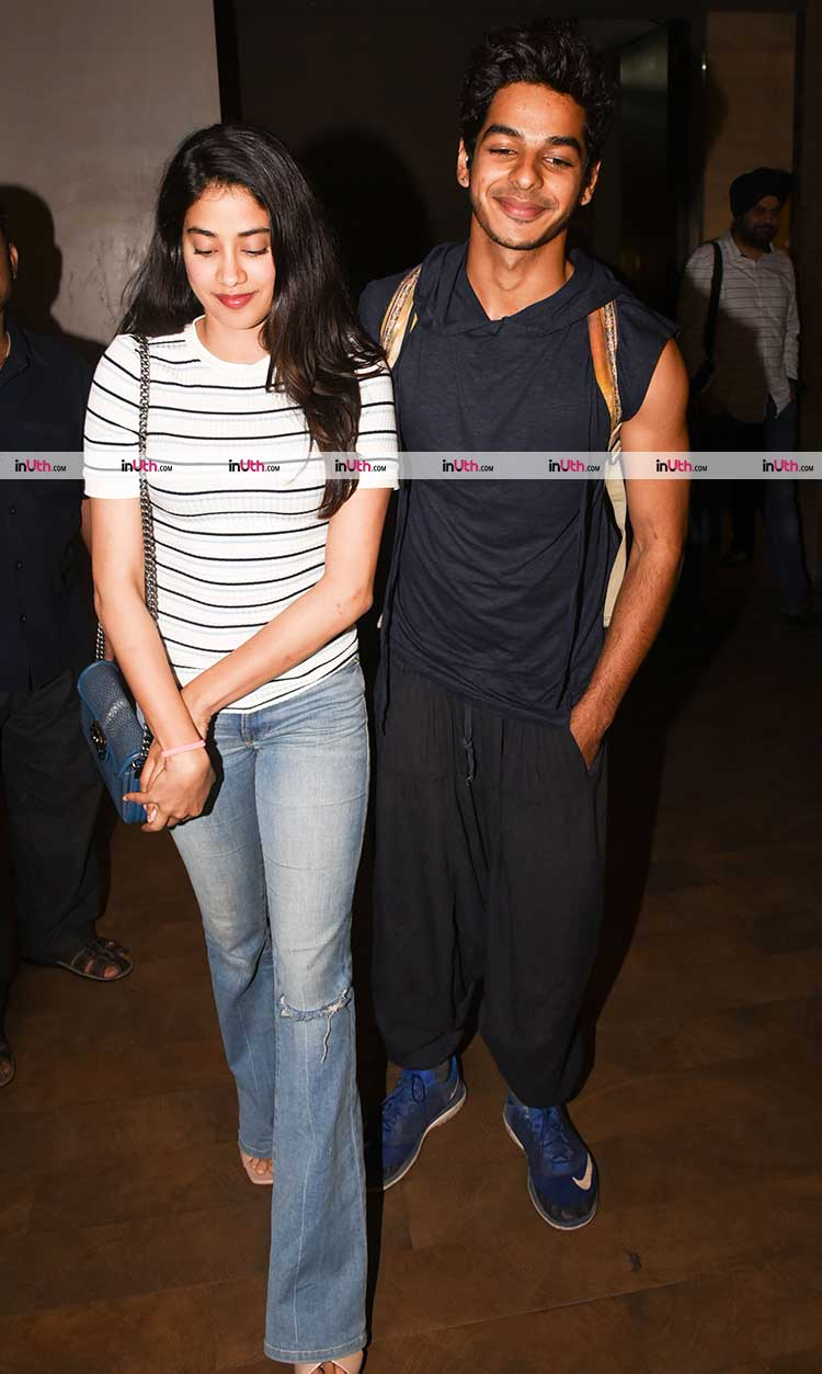 Jhanvi Kapoor and Ishaan Khatter look adorable in this pic