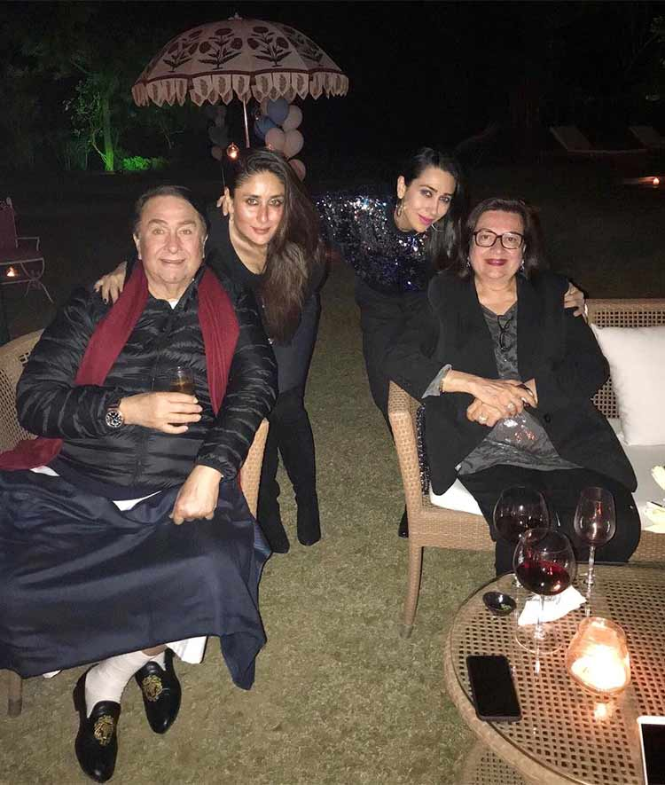 Kareena and Karisma with Randhir and Babita Kapoor