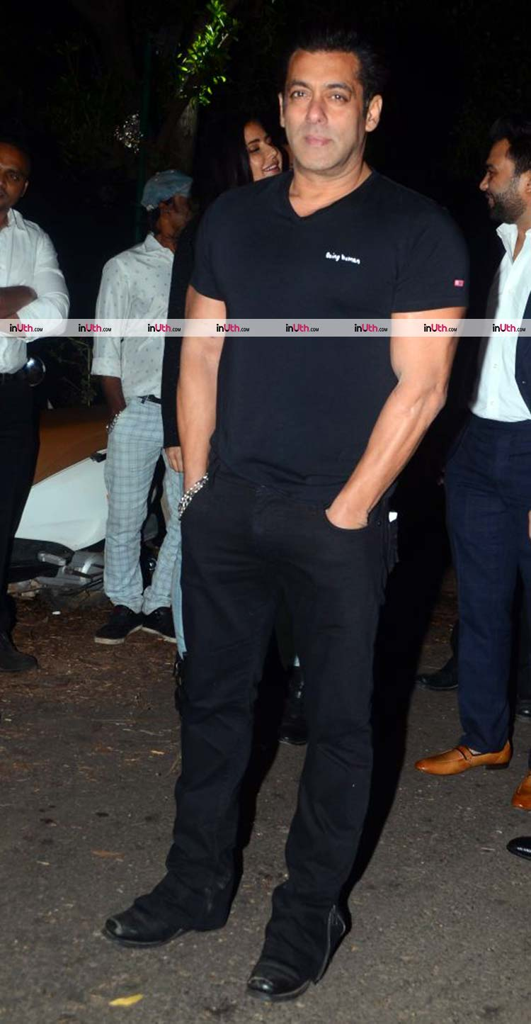 Salman Khan snapped at his 52nd birthday celebrations