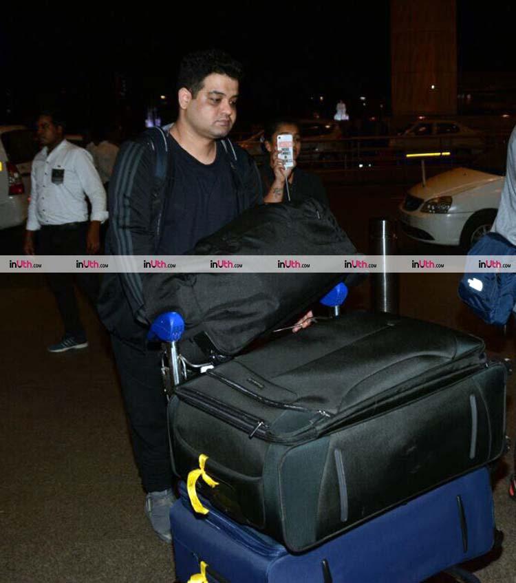 Anushka Sharma brother at the airport