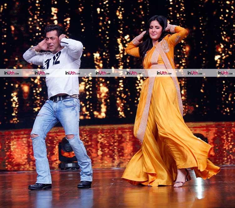Salman Khan and Katrina Kaif performing on Chikni Chameli