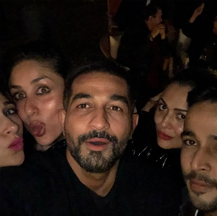 The Kapoors with Amrita Arora and Shakeel Ladak at Taimur's birthday party