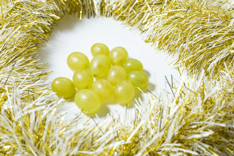 spain new year grapes