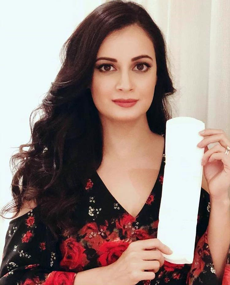 Dia Mirza takes the PadMan challenge
