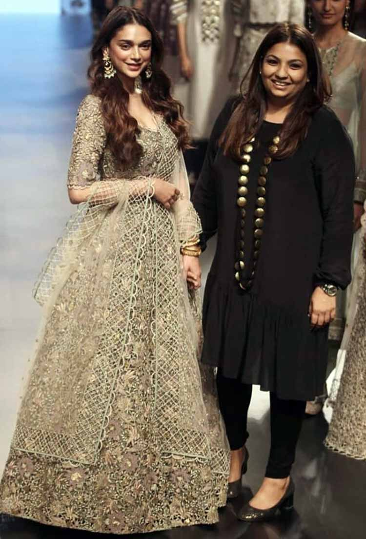 Aditi Rao Hydari with Payal Singhal at Lakme Fashion Week Summer Resort 2018