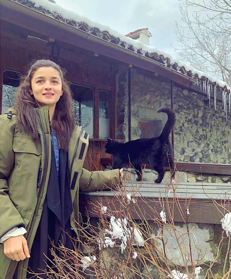 Alia Bhatt enjoys the Bulgarian sun on Brahmastra sets