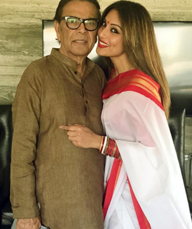 Bipasha Basu with her father on January 31, 2018