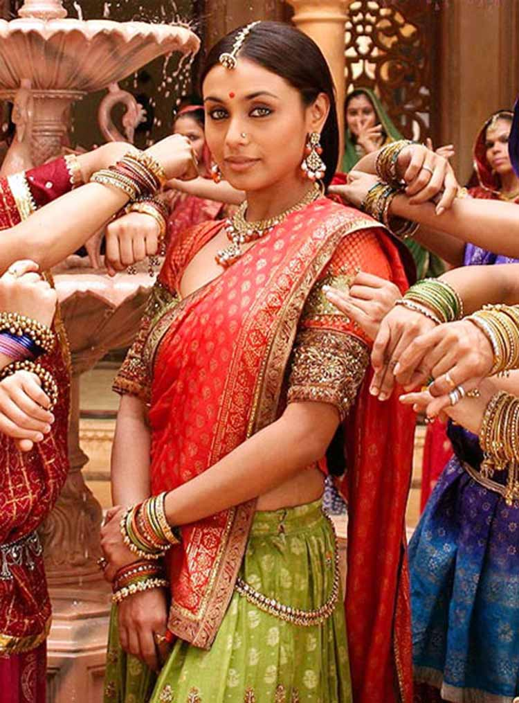 Rani Mukerji as Lachchi in Paheli