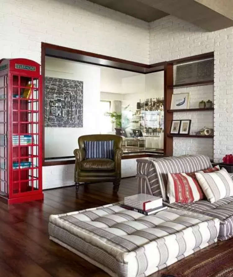 The lounging space in Hrithik Roshan's apartment is wonderful