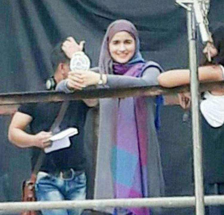 Alia Bhatt on sets of Gully Boy