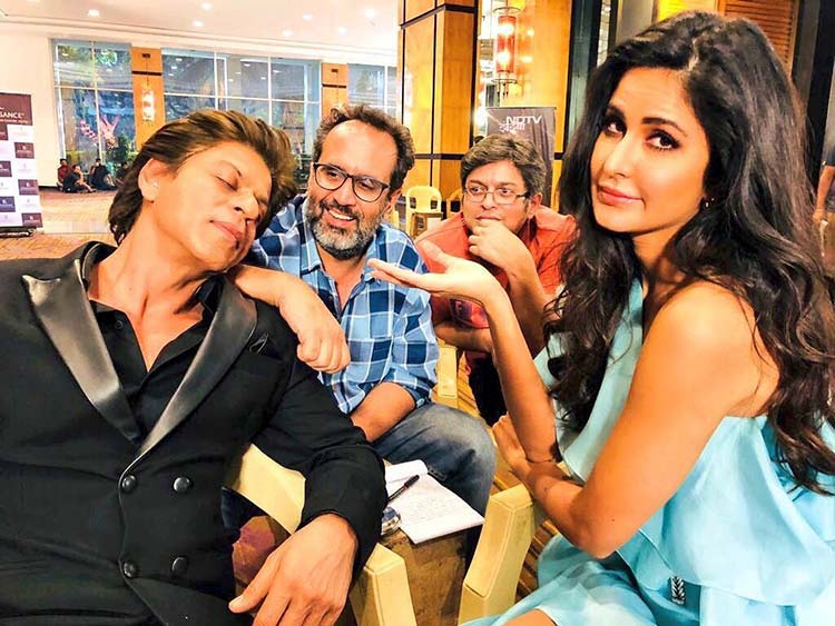 Katrina Kaif has become Shah Rukh Khan's media manager on Zero sets