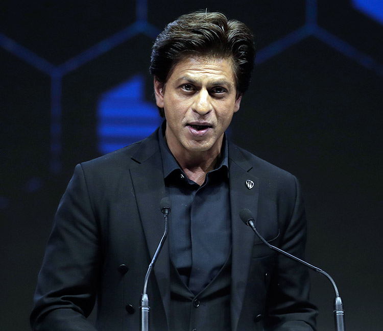 Shah Rukh Khan delivering his acceptance speech at World Economic Forum