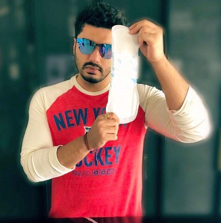 Arjun Kapoor takes the PadMan challenge