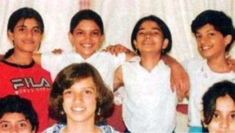 Deepika Padukone with her childhood friends