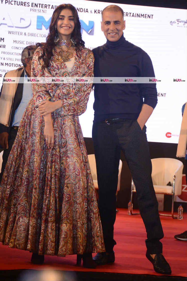 Sonam Kapoor and Akshay Kumar at Innovator's conclave for PadMan promotions