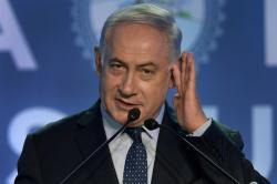 Just 20 pictures of Benjamin Netanyahu doing things in India