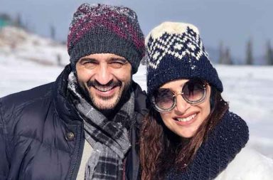 Bigg Boss 11 contestant Hiten Tejwani holidays with wife Gauri