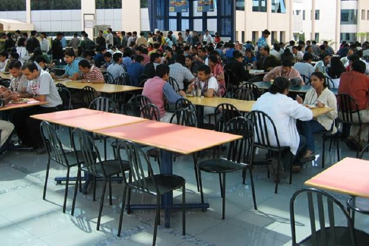 'Separate' food plates for non-veg students! IIT Bombay hostel has a new food diktat