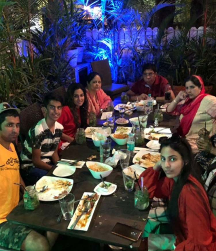 Hina Khan with her family in Goa for a vacation