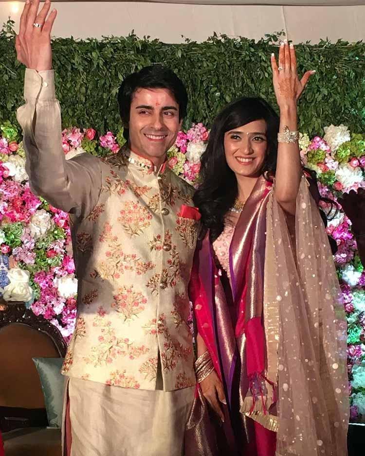 Gautam Rode and Pankhuri Awasthy showing off their rings