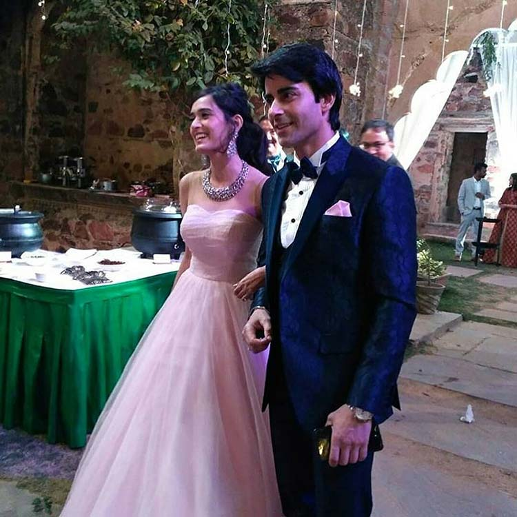 Gautam Rode and Pankhuri Awasthy arriving at the cocktail party