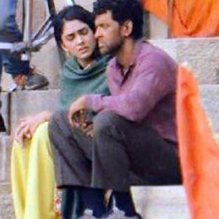 Hrithik Roshan and Mrunal Thakur shooting for Super 30