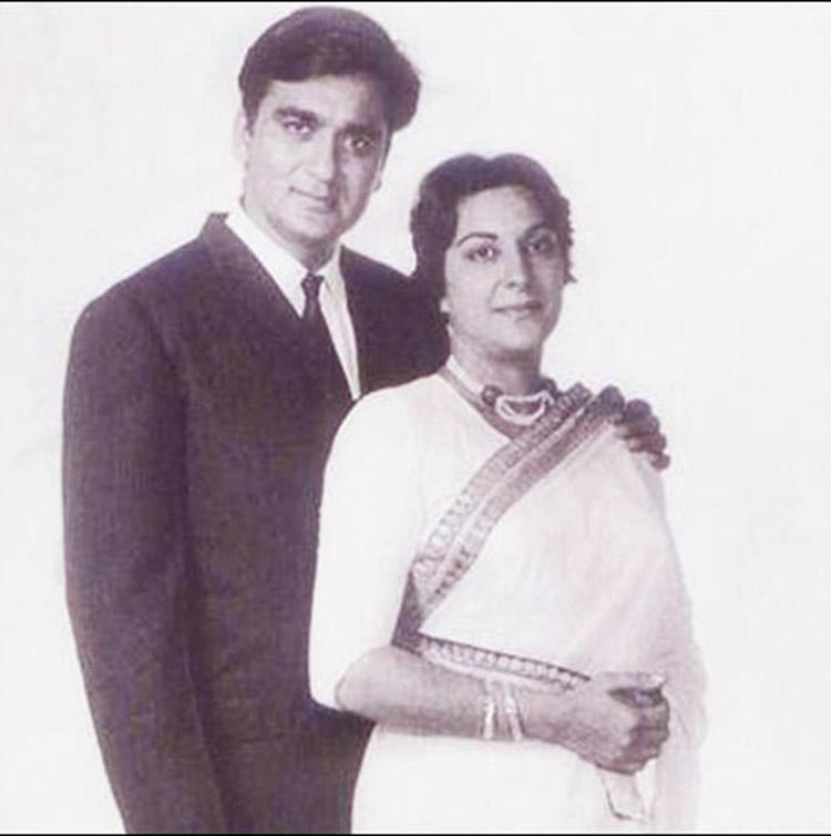 Sunil Dutt and Nargis had fallen in love in the filmiest fashion