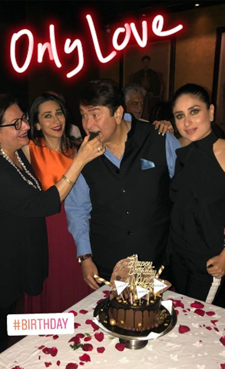 A family photo of the Kapoors from Randhir Kapoor's birthday bash