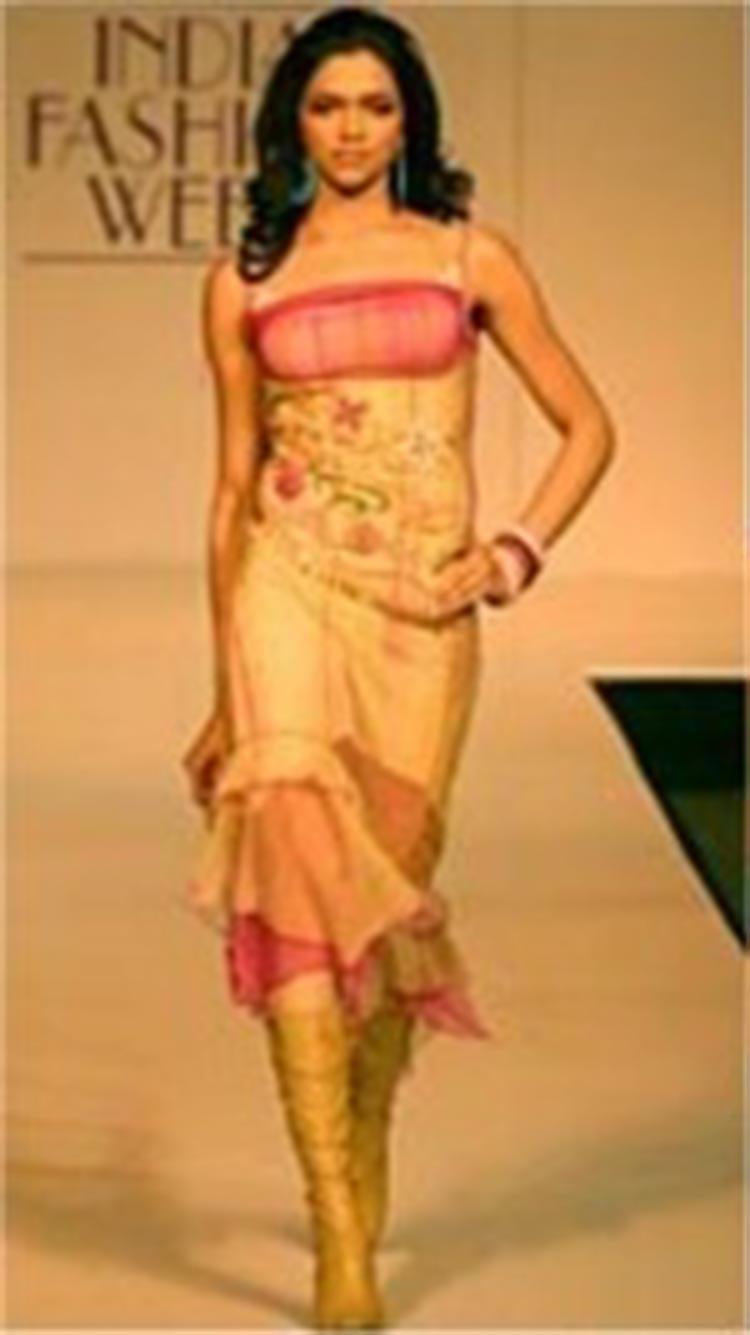 Deepika Padukone made her Lakme Fashion Week debut in 2005