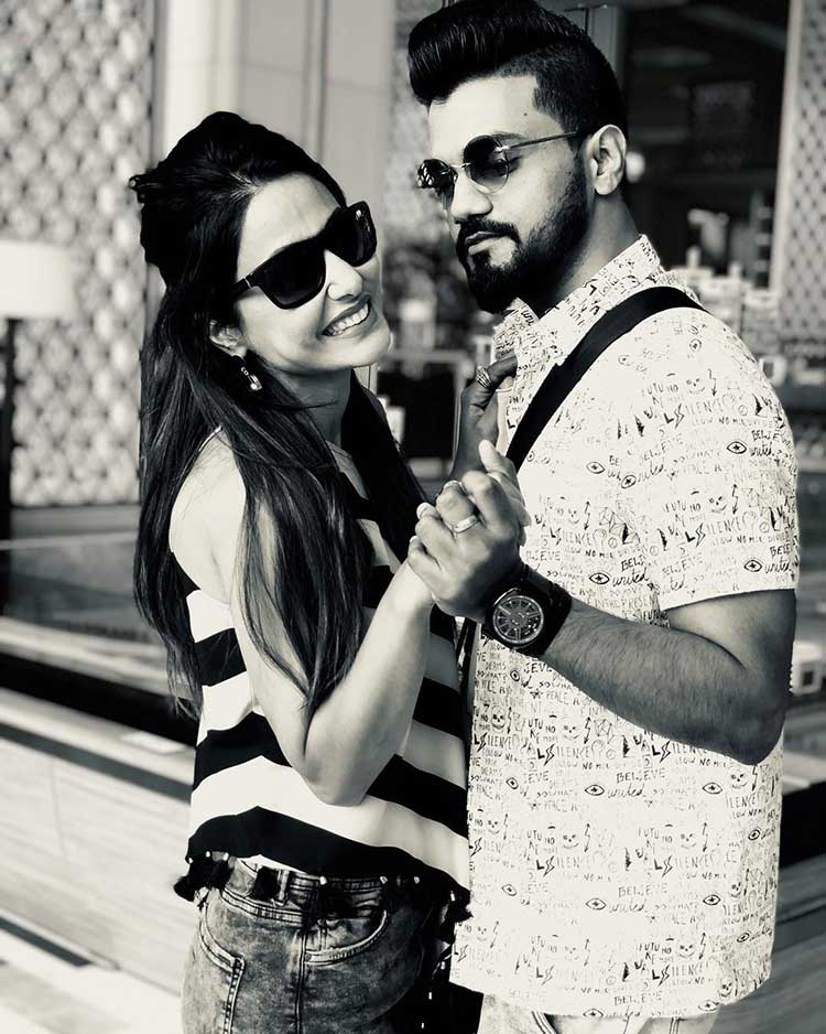 Hina Khan in Sri Lanka with Rocky Jaiswal for Valentine's Day celebration
