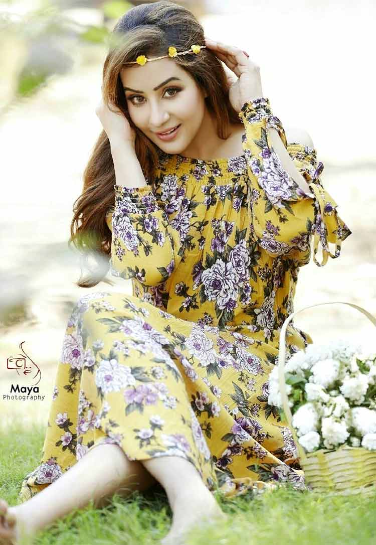 Shilpa Shinde looks stunning in this photoshoot