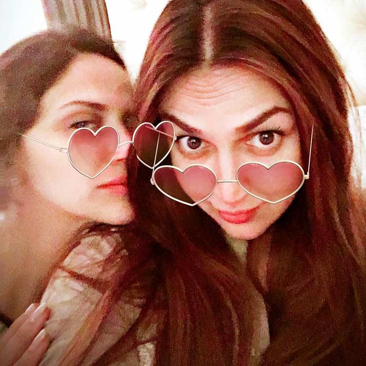 Esha Deol celebrating her Valentine's Day with sister Ahana Deol