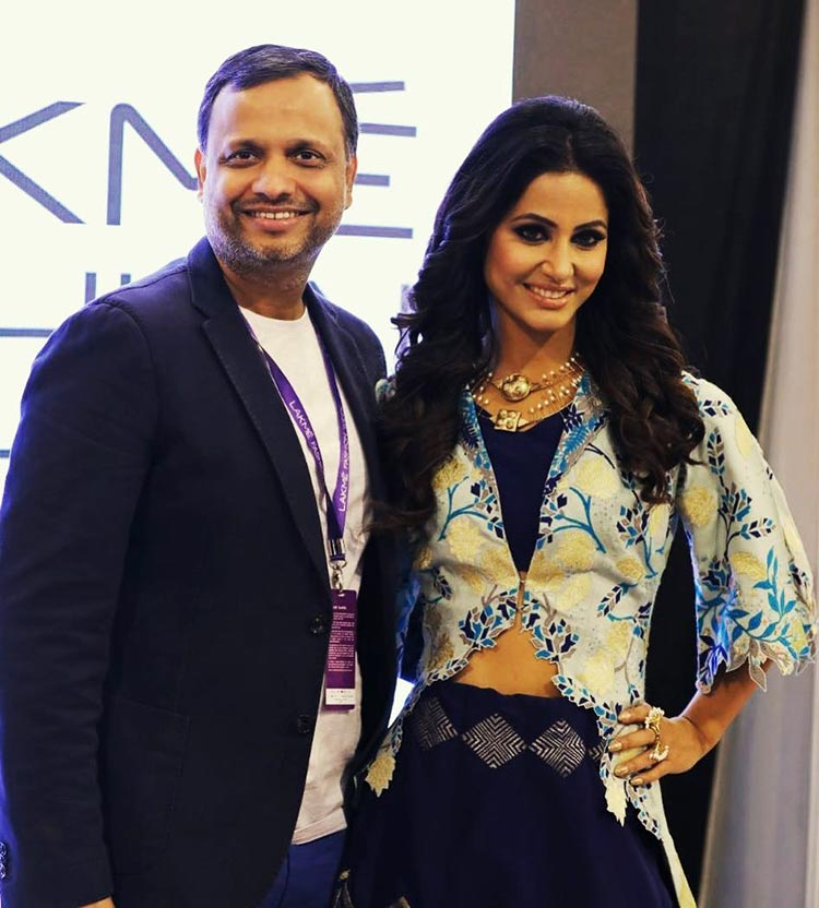 Hina Khan with the designer at Lakme Fashion Week 2018