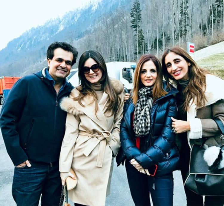 Sussanne Khan and her sisters look wonderful here