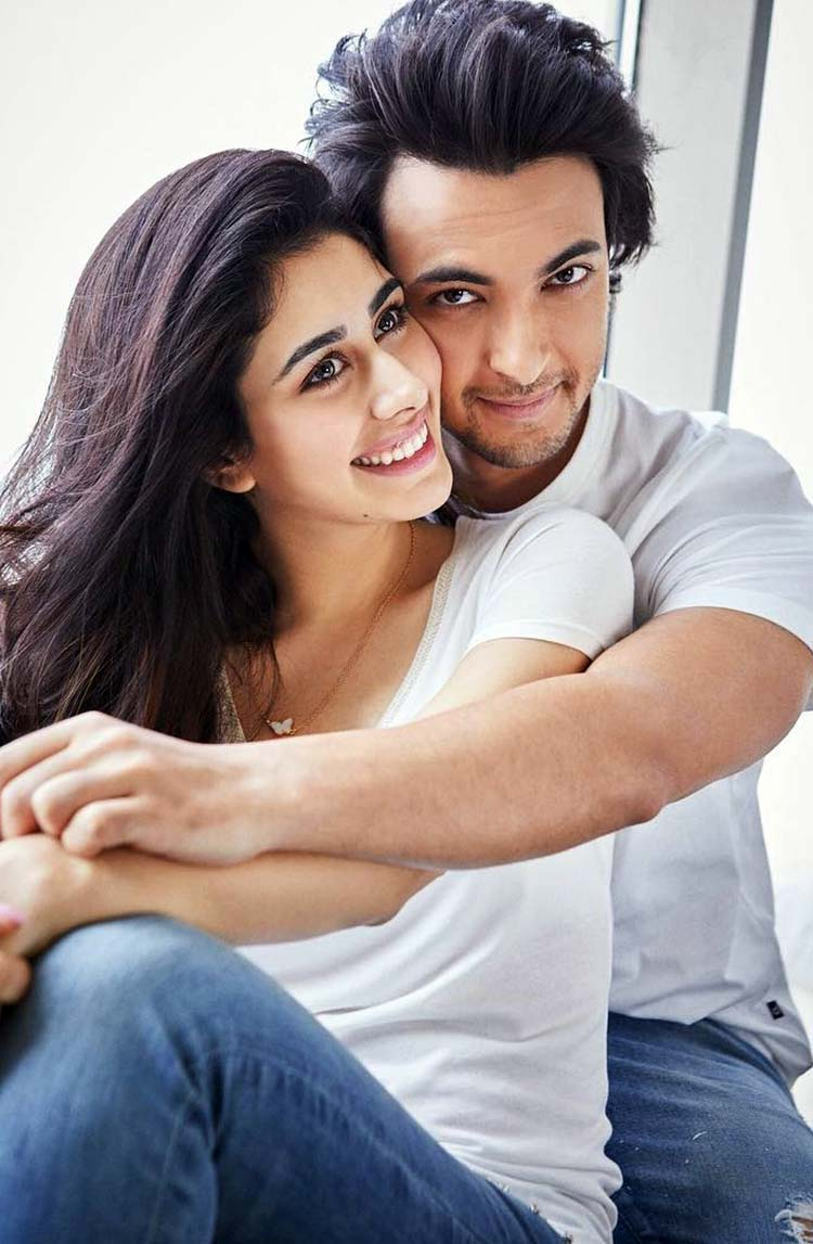 Aayush Sharma and Warina Hussain make one ravishing pair