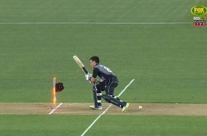 Mark Chapman helmet, Mark Chapman dismissal, Mark Chapman worst dismissal, Mark Chapman loses helmet, Australia vs New Zealand 5th T20I, New Zealand vs Australia 5th T20I, Billy Stanlake bouncer