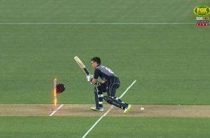 Mark Chapman helmet, Mark Chapman dismissal, Mark Chapman worst dismissal, Mark Chapman loses helmet, Australia vs New Zealand 5th T20I, New Zealand vs Australia 5th T20I, Billy Stanlake bouncer