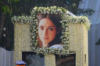 Sridevi funeral: Bollywood bids teary adieu to 'Chandni'